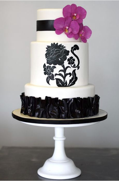 wedding cakes purple and white black and white wedding cake wedding cakes 25323