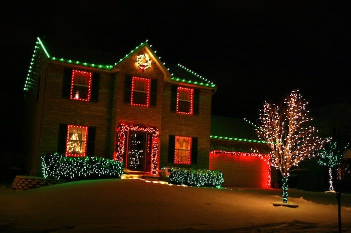Residential Outdoor Christmas Light Display | Dark Brown Hairstyles