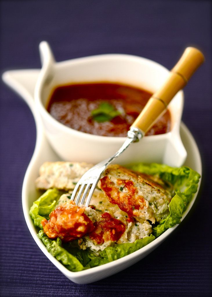 Рыбные котлеты и любимый соус из перцев