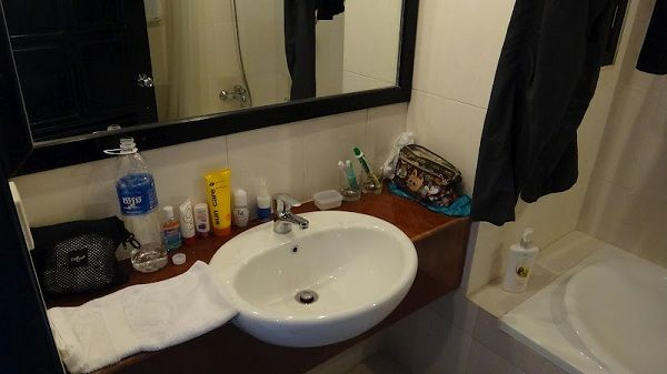 Claremont Angkor Boutique Hotel - Bathroom With Storage And A Real Bath