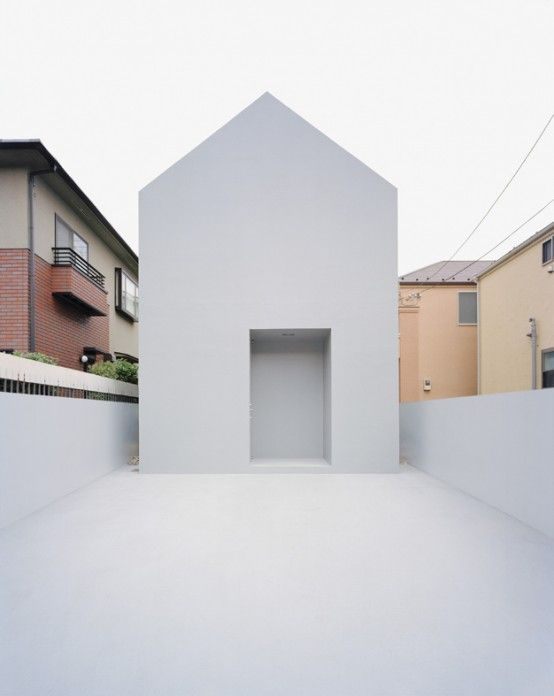 Contemporary minimalist architecture: White home in Japan designed by Datar.