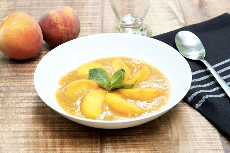Soupe de pêche et gingembre - http://www.foodette.fr/recette/soupe-de-peche-gingembre