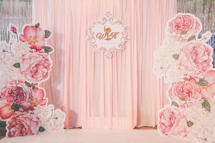 愛絲琳創意婚禮團隊有完整的設計團隊可以跟您一對一討論…