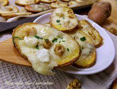 Le patate croccanto con gorgonzola e noci sono semplici e gustose etanto apprezzate da tutti il gorgonzola con le noci sono un abbinamento perfetto