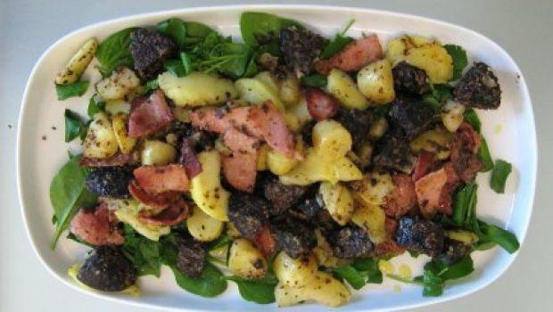 Piatti unici: l'insalata di patate alla greca