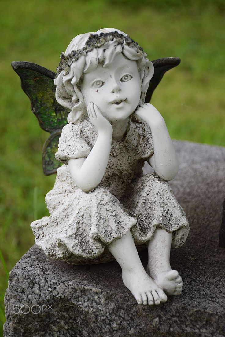 Cherubine - An unearthly beings in contemplation.