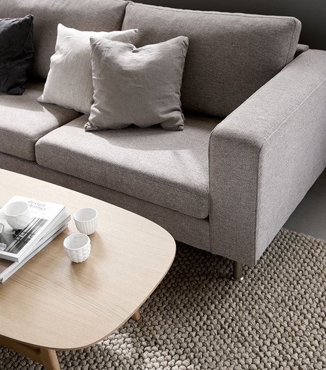 Straight Lines And Firm Cushions Ensure Elegance Comfort And A Timeless Look The Indivi Sofa Combines Thes Wohnzimmertische Boconcept Boconcept Sofa