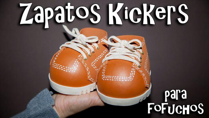 En este vídeo les explico el paso a paso de como hacer ZAPATOS KICKERS echos con goma eva y porexpan (icopor) utilizando pirograbador y ojeteadora de una man...