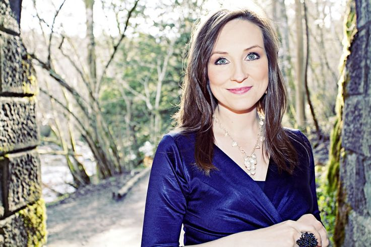 The beautiful Julie Fowlis wearing a Large Cluster Necklace by Amy C Mackay