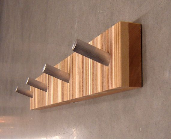 Wood peg coat rack cosmecol for Wall pegs and racks