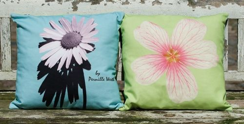 Cushion 40 cm x 40 cm designed by Pernille Westh printed on organic cotton. The cushion has different print on each side. Both sides are shown.