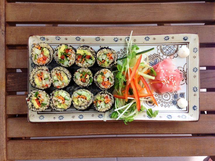 Crunchy vegan quinoa sushi