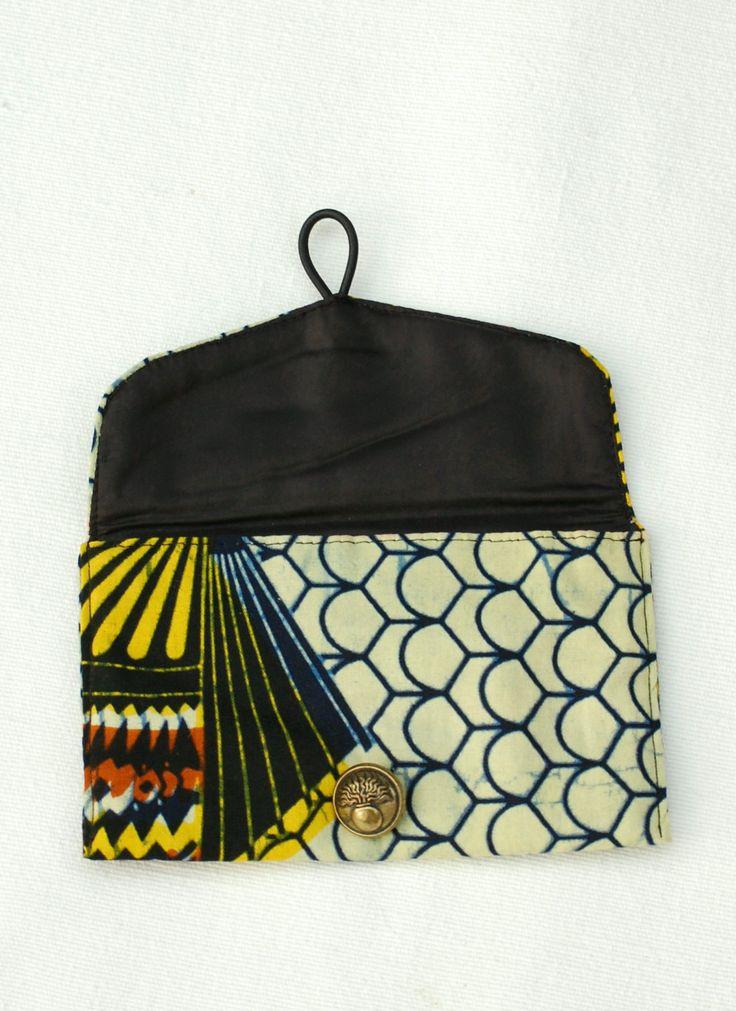 Eventails - Pochette, étui à lunettes ou blague à tabac en wax avec bouton à motif, pochette ethnique, pochette africaine de la boutique DLFine sur Etsy