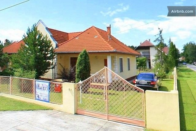 Cozy villa for 6 with own garden in Siofok