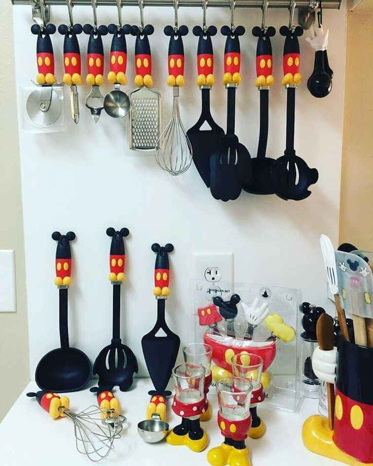 Kitchen Decor Accessories: 25+ Best Ideas About Mickey Mouse Kitchen On Pinterest