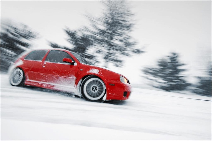 red vw golf r32 doin 39 what it loves best winter. Black Bedroom Furniture Sets. Home Design Ideas