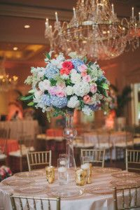 D Weddings - Photo by Taylor Lord I Branching Out Floral & Event Design - Dallas branchingoutevents.com