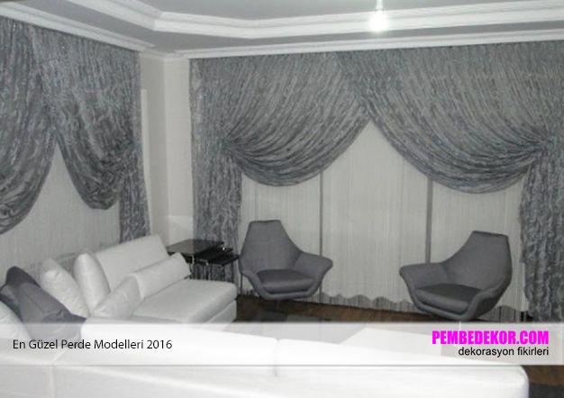 Gri renkler ev mobilyalarında gerçekten modern çizgileri vurgulayan renklerdir. Eğer bu renkte mobilyalarınız varsa yine bu renkte güneşlik perdeleri tercih edebilirsiniz. Sade ve abartısız