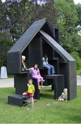 Follie from Huting & De Hoop - modern cubby house/climbing frame/garden sculpture