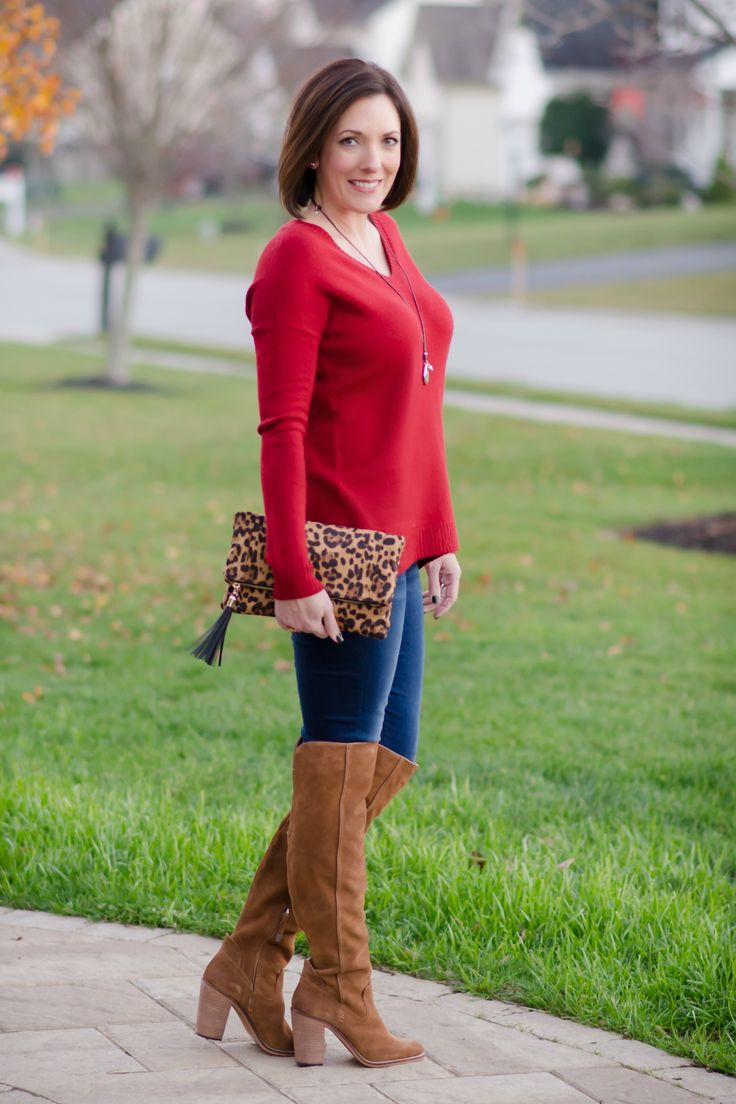 Casual Holiday Style: split back boyfriend sweater with OTK boots and skinny jeans + leopard clutch!
