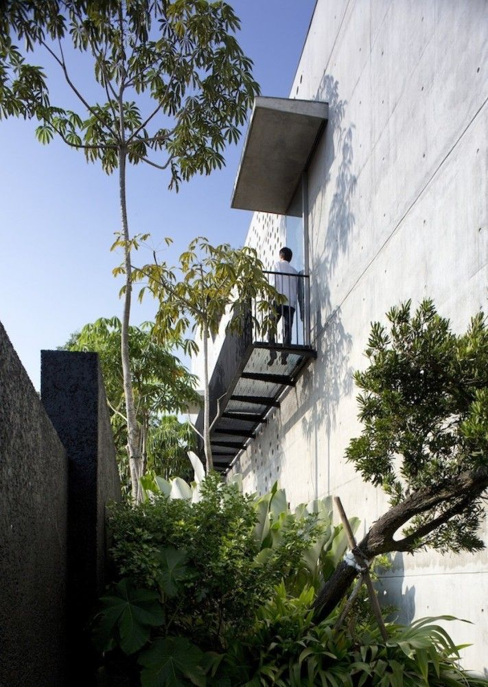 Gallery Of The Courtyard House / Formwerkz Architects   2