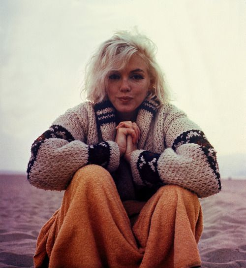 sweaterMarilyn Monroe, Normajean, Vintage Photographers, Santa Monica, At The Beach, Marilynmonroe, Norma Jeans, Cozy Sweaters, Nature Beautiful
