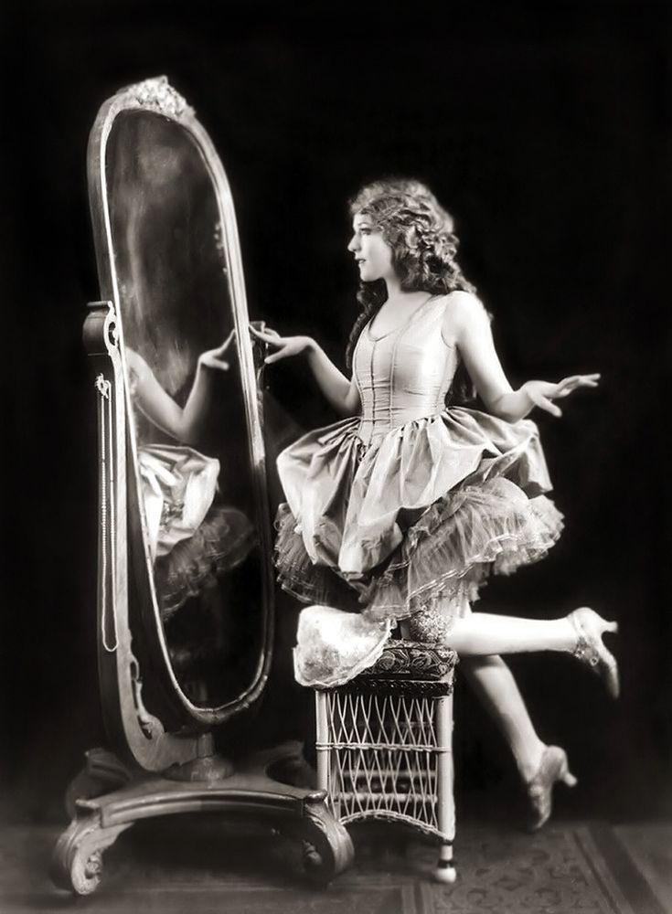 Mary Pickford - c. 1920 - Photo by Alfred Cheney