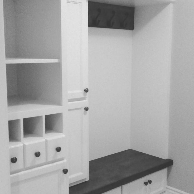 London cabinet painting by the most affordable refinishing London painters #shoecloset #mudroom #closet #closetmakeover #closets  #painters #londonontario #lndont