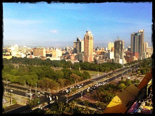 overlooking Manila..lovely..<3