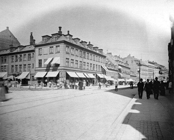 Hjørnet af Vesterbrogade og Værnedamsvej i 1899. Foto Johannes Hauerslev.