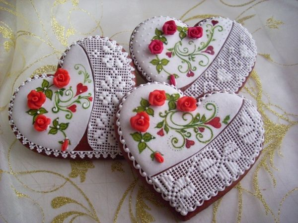 z lásky, strana 3 | Perníky Hearts, lacy piping, red roses - perfect for Valentine's Day.
