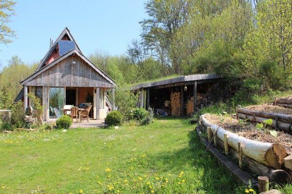 Nos terrasses de cultures, au plus près de l'habitation pour les légumes les plus éxigeants en visites. Sources PermacultureDesign