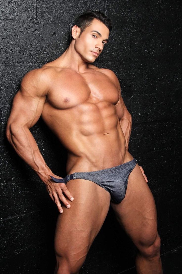 sexy gay muscle hunks