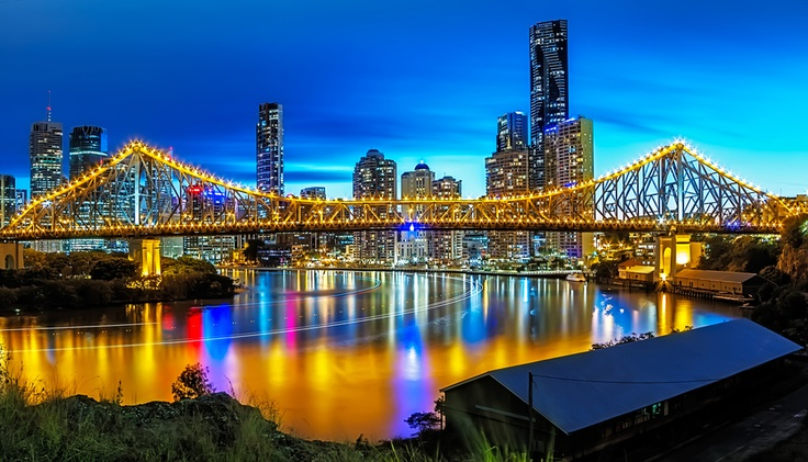 Designed by John Bradfield (designer of the Sydney's Iconic Harbour Bridge), Brisbane's Story bridge spans the Brisbane River from Kangaroo Point in the south to New Farm in the north.