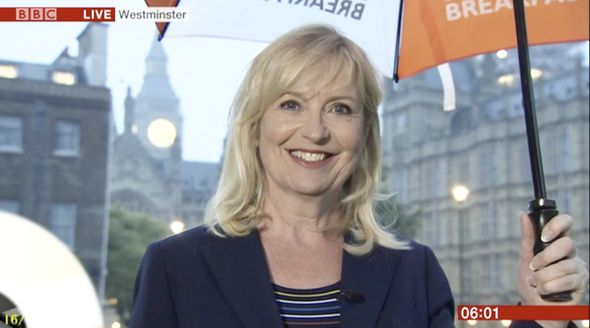 BBC weather: Carol Kirkwood hugs curves in form-fitting navy jacket for forecast - https://buzznews.co.uk/bbc-weather-carol-kirkwood-hugs-curves-in-form-fitting-navy-jacket-for-forecast -