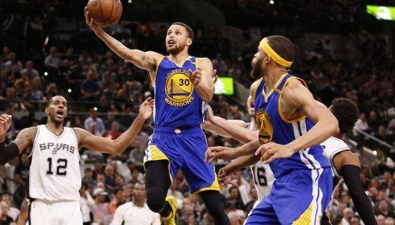 Stephen Curry n'a pas apprécié le «sale geste» de Dewayne Dedmon -  En fin de quatrième quart-temps du Game 3, Dewayne Dedmon est venu poser un écran sur Stephen Curry, qui a terminé au sol. Après avoir revu les images, ce n'est… Lire la suite»  http://www.basketusa.com/wp-content/uploads/2017/05/curry-spurs-warriors-1-570x325.jpg - Par http://www.78682homes.com/stephen-curry-na-pas-apprecie-le-sale-geste-de-dewayn