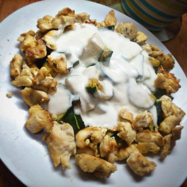 Sajtos csirkés cukkini 11g szénhidráttal