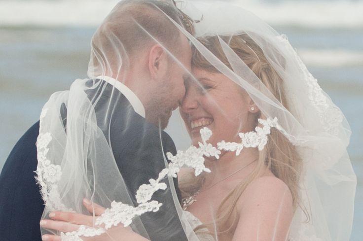 Wedding photography, veil, sluier, strand, beach, #WeddingPhotography, #DenHaag, Kijkduin, Nederland, bruidsfotograaf, trouwfotografie   www.witfoto.nl   Wit Photography | Wedding photography Den Haag: Nathalie + Rick