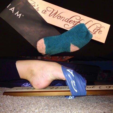 Dancer Weekly: DIY Ballet Foot Stretcher -- this is on my blog!