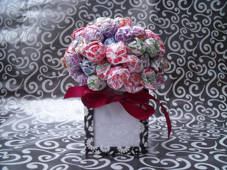 candy bar bouquet | Dum Dum Lollipop Candy Bouquet / Picture Frame/ centerpiece black ...