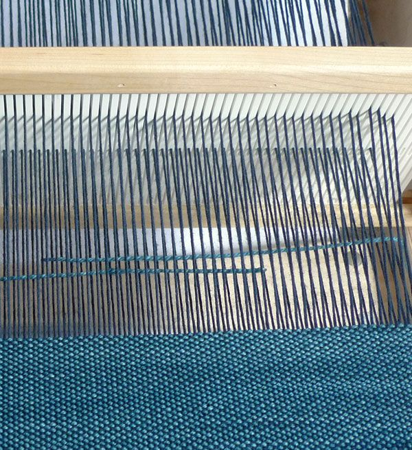 Cricket Loom Tips - Weaving Tutorials - Knitting Crochet Sewing Embroidery Crafts Patterns and Ideas!