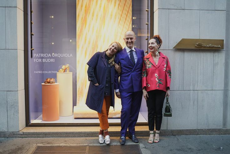 Patricia Urquiola, Giuseppe Santoni and Alessandra Malagoli on the backdrop of the special window to celebrate 55th #SaloneDelMobile #MilanDesignWeek #Santoni #SantoniShoes #Budri #PatriciaUrquiola