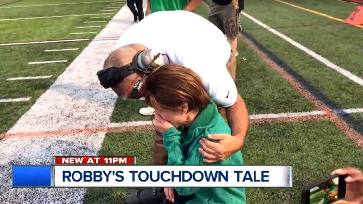 HS football manager with Down syndrome scores TD as mother with terminal illness watches