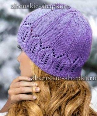Красивая вязаная шапка спицами
