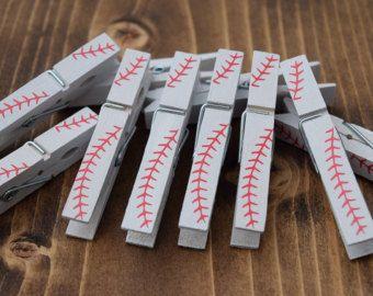 Pinzas para la ropa del balompié deportes por TheSweetSimpleThings
