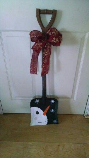 Primitive snowman shovel i painted