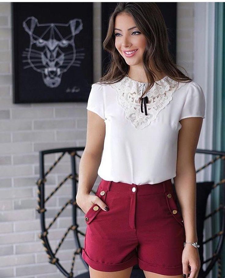 ✨Look muito lindo e delicado! Blusa com decote em renda guipir e lacinho! Short marsala com botões no bolso! Uma graça!✨ Tamanhos P M G✔️ Compre pelo site: www.maboboutique.com.br✔️ Mais inf. 17 991847003✔️ #maboboutique #enviamosparatodobrasil #instafashion #marsala #renda #guipir #lookdodia