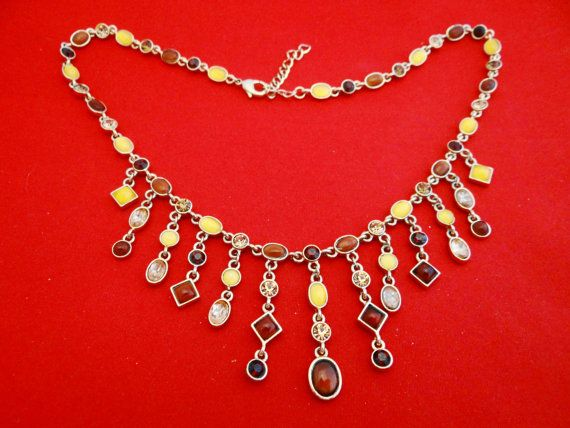 Vintage 17.5 gold tone necklace with yellow light brown by jeanmc, $20.00