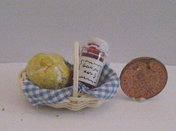 Basket with bread and Jam  hand made by Insomesmallwayminis, $6.50
