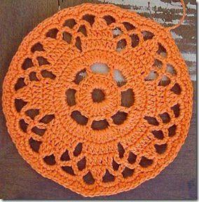 Crochê+redodo,+use+como+decoração+de+cartões